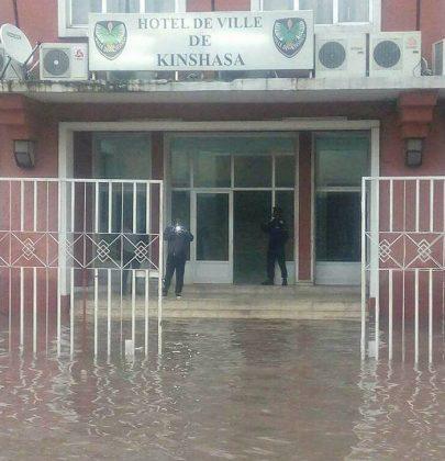 Le centre ville de Kinshasa sous l'eau
